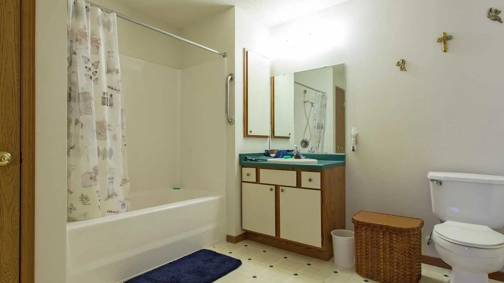 Villas by Mary T at Prescott bathroom